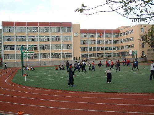 黄陵县腰坪小学
